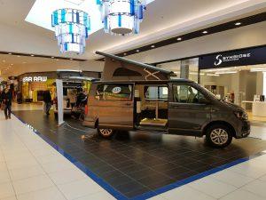 exposition de camping cars dans la galerie espace anjou angers caravaning. Black Bedroom Furniture Sets. Home Design Ideas